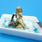 Make a cute and easy DIY Mermaid Trinket Tray for your thingamabobs! | Do It Your Freaking Self