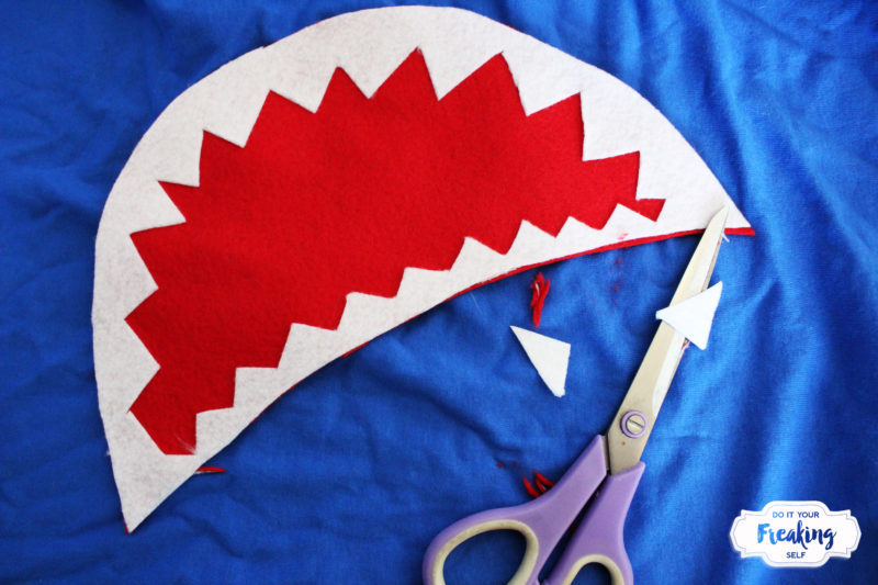 Survive the Sharknado in your own DIY Sharknado Costume T-shirt! No Sew, quick and easy for you or that shark lover in your life!
