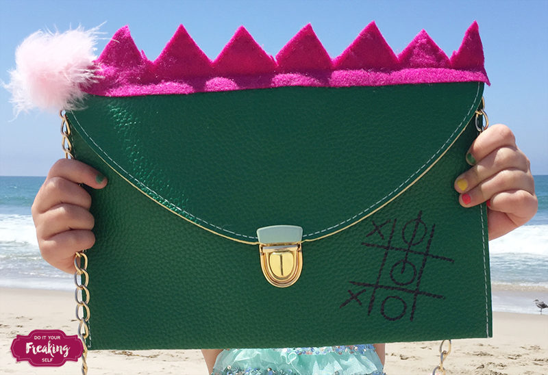 Celebrate Disney's Pete's Dragon with this Elliot inspired DIY Disney Bound Pete's Dragon Clutch! How cute!