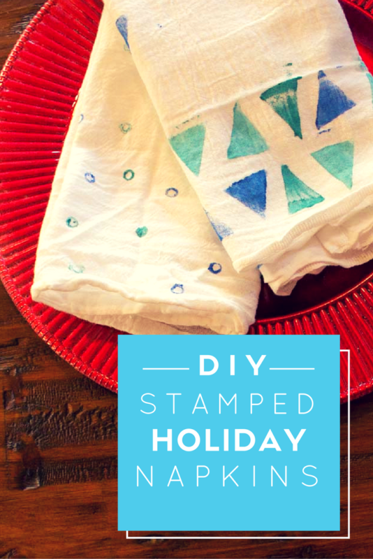 Hand stamp your own DIY Holiday Napkins with things you already have at home. A simple project for kids and adults. holiday | hostess gift | potato stamp | stamped napkin | dish towel | Do It Your Freaking Self