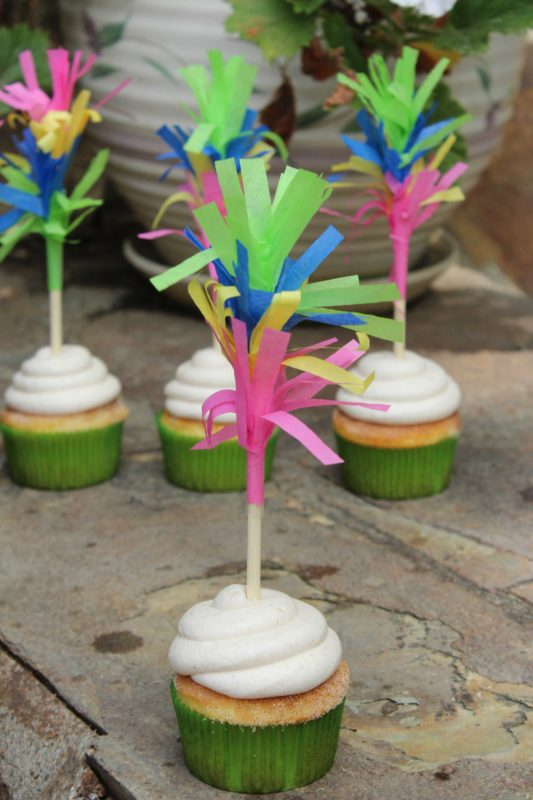 Add some fun flare to your Cinco De Mayo or Pinata party with these fun Fringe Cupcake Toppers! They also double as drink stirrers for a bright and colorful addition to your drinks! | Cinco de Mayo | Pinata | Party Decor | Do It Your Freaking Self