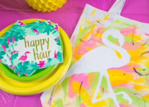 Celebrate your gal pals with a summer Pineapple Flamingo Brunch complete with pineapple cups, mimosas and devilishly simple and delicious desserts!
