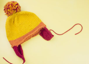 Knit a Jayne Cobb hat on straight needles with this free knitting pattern. A geeky project for beginners and intermediate knitters.