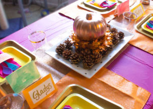 Give yourFriendsgiving Tablescape a vibrant pop of color with bright orange, yellow, pink and rose gold! | #friendsgiving #thanksgiving #tablescape