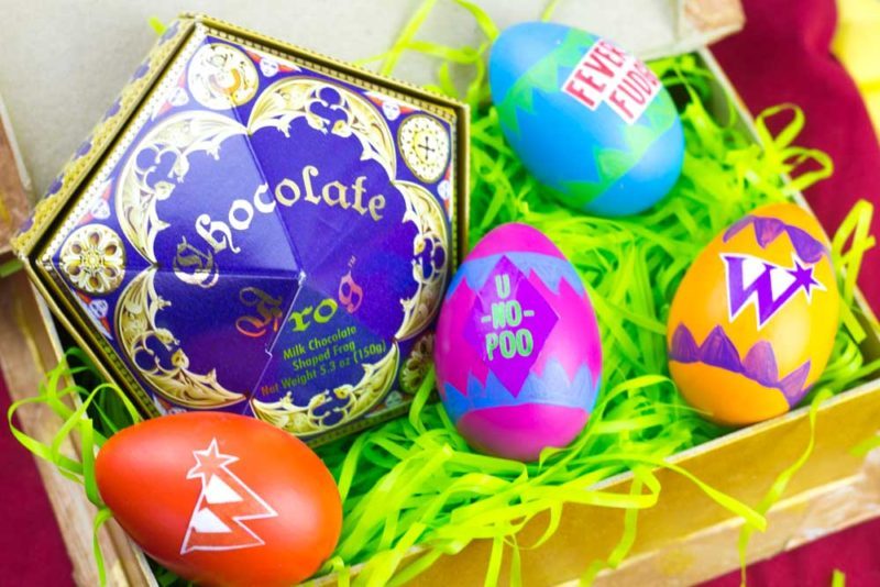 Create funWizarding World of Harry Potter Easter Eggs this spring! Make Hogwarts House eggs or Weasleys Wizard Wheezes inspired Eggs!