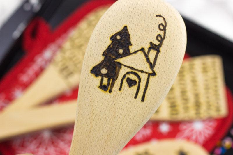 DIY Wooden Spoon Holiday Gift - woodburn