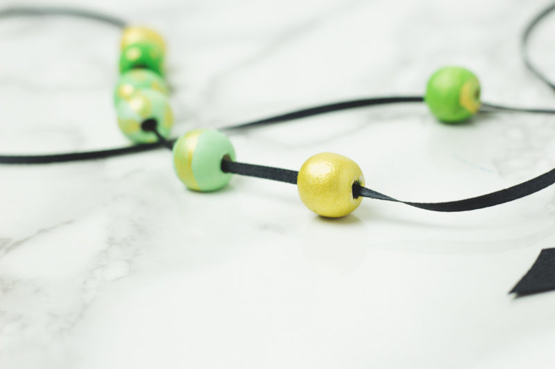 easy ombre necklace - painted wooden beads - pinch proof - st patricks day