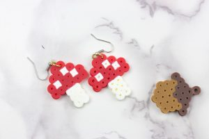 Perler Bead earrings are my favorite way to accessorize and these Fall Earrings are no joke! They come together in a snap and can match all of your favorite outfits! They also make really great gifts to friends, family and co-workers!